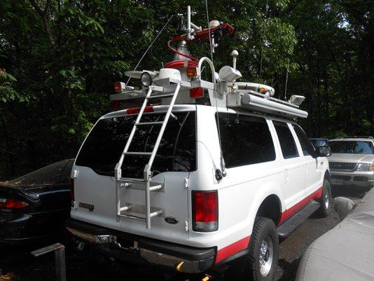 Complete uplink truck